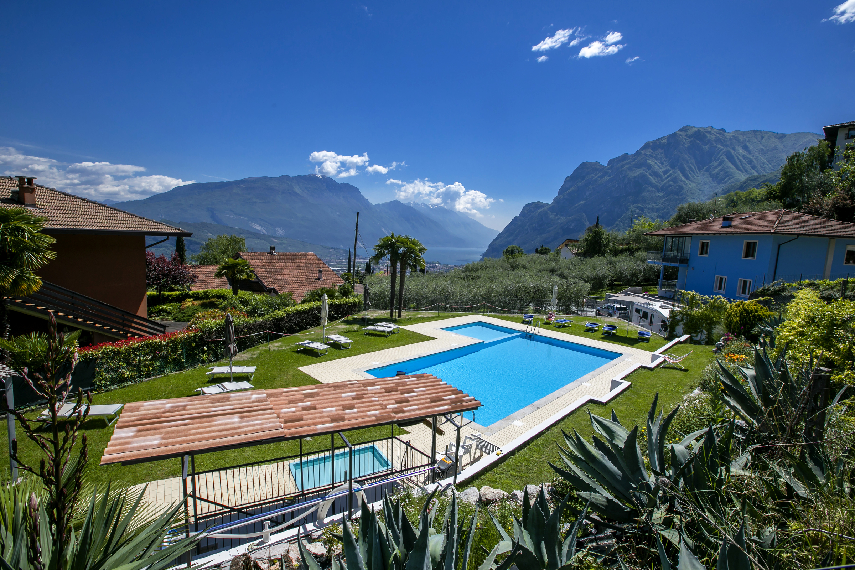 Residence Christina Due Laghi Ferienhaus in Italien