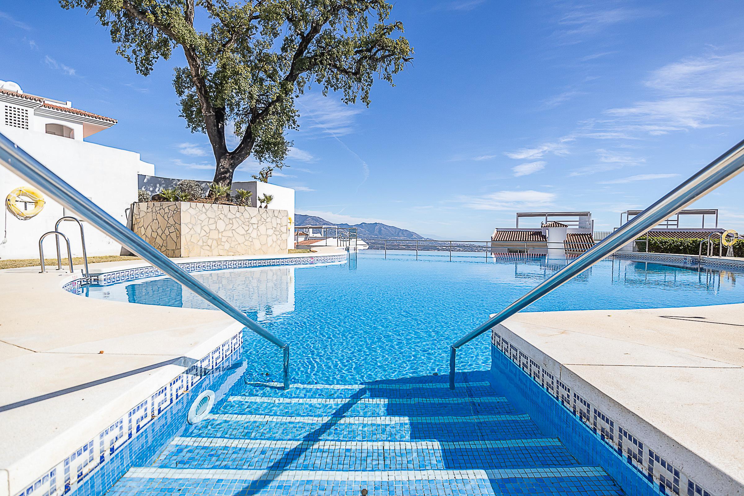 Apartment Mairena Forest Ferienwohnung in Spanien